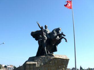 Monument to Kemal Ataturk, Antalya